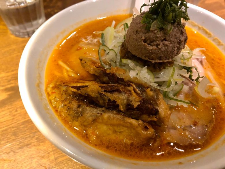 tho-photo-of-amehayasashiku-karamiso-ramen